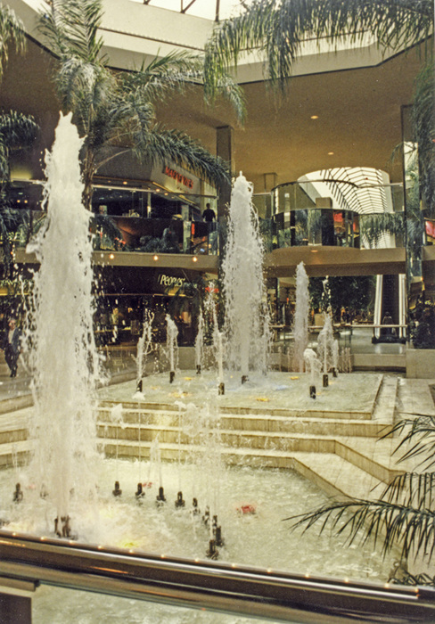 photoblog image West Edmonton Mall-3