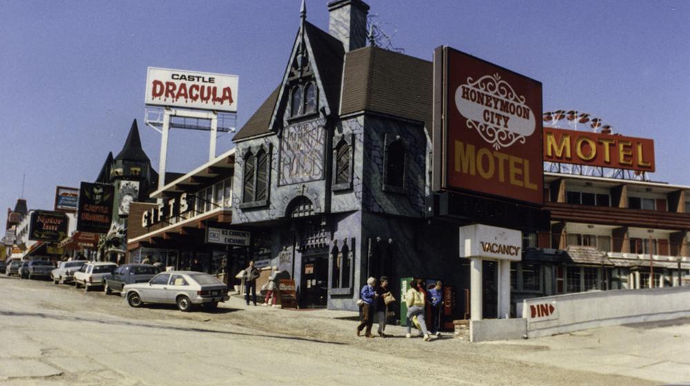 photoblog image Niagara commerce
