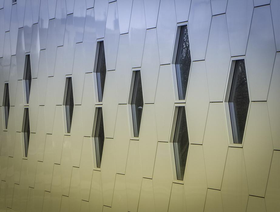 photoblog image Wall 'n windows