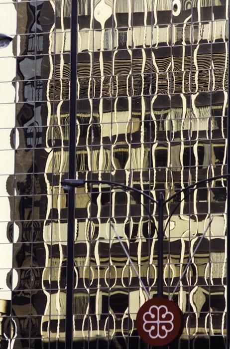 photoblog image Montreal-reflections