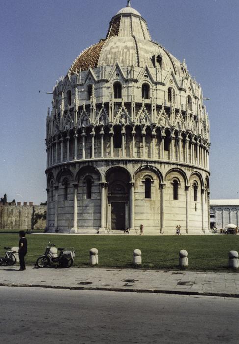 photoblog image Pisa-2 - The baptistry.