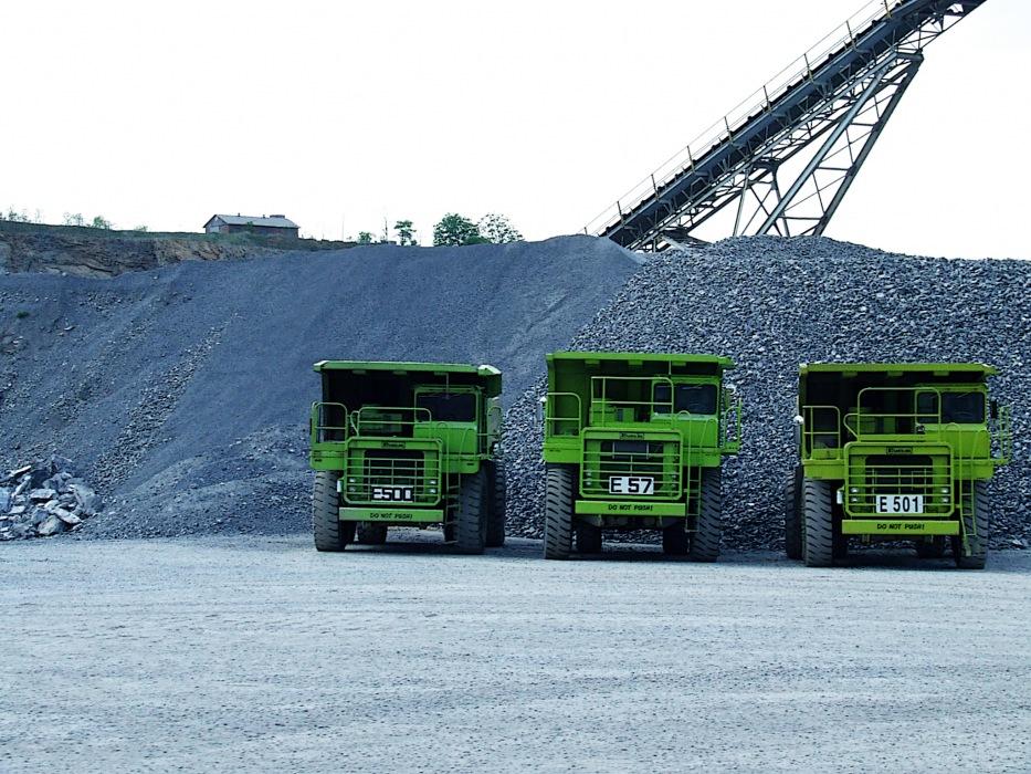 photoblog image quarry trucks