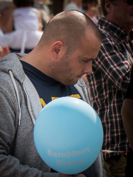 photoblog image Man with balloon