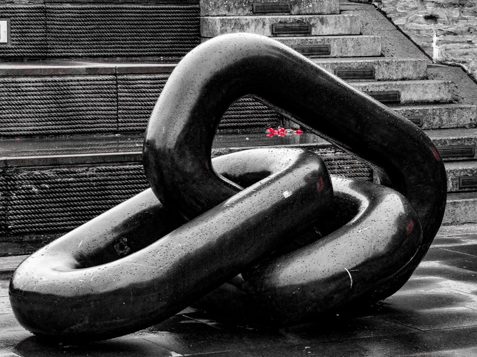 photoblog image Chains of love