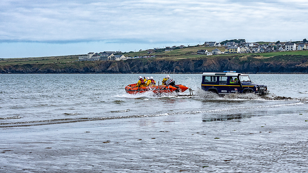 photoblog image Poppit Sands lifeboat