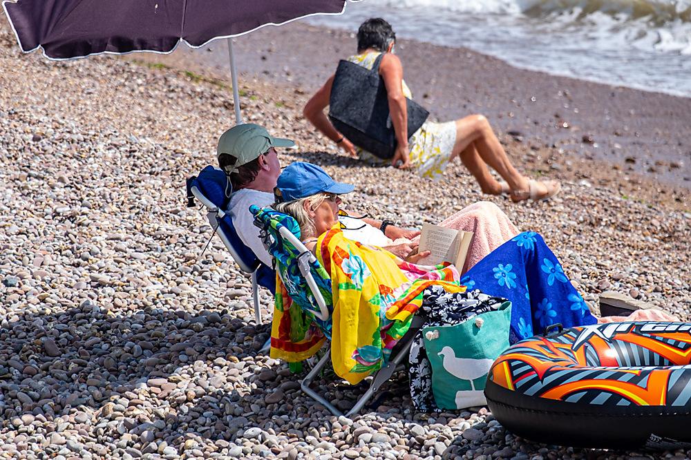 photoblog image Seaside people 4 of 5