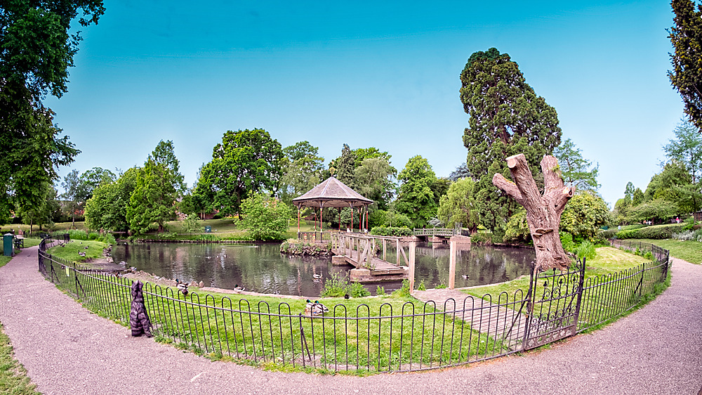 photoblog image A wide eyed look at Gheluvelt park 4 of 5