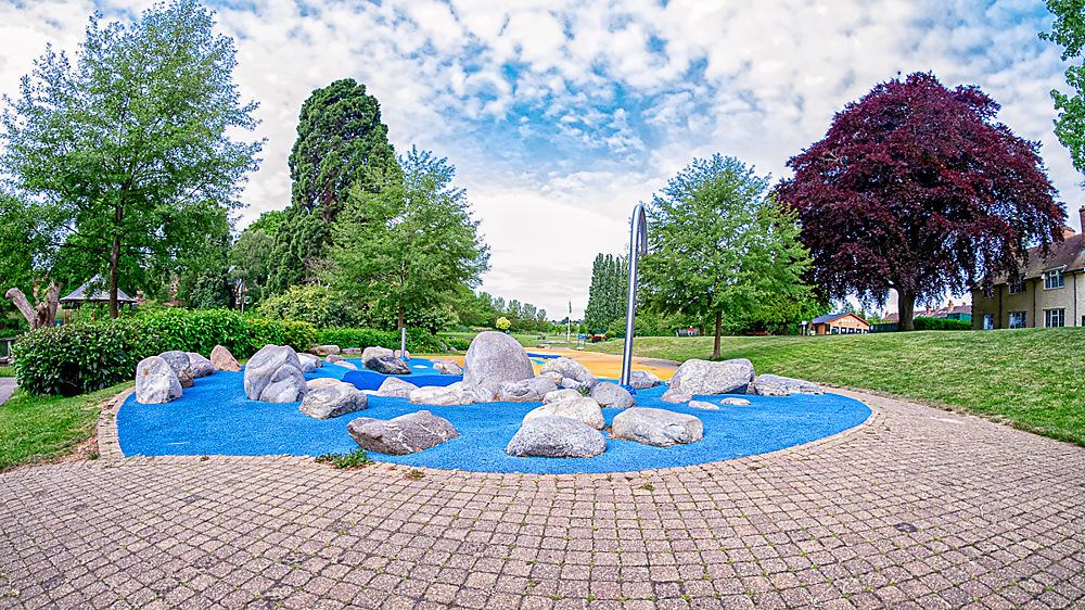 photoblog image a wide eyed look at Gheluvelt park 2of 5