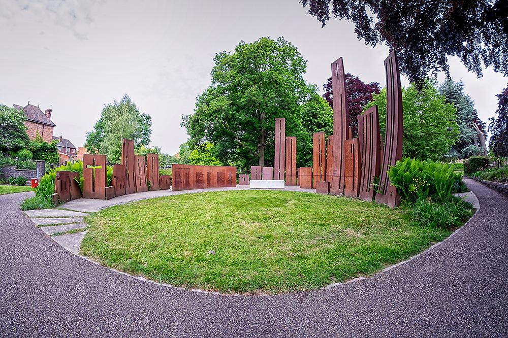 photoblog image A wide eyed look at Gheluvelt park 1of 5